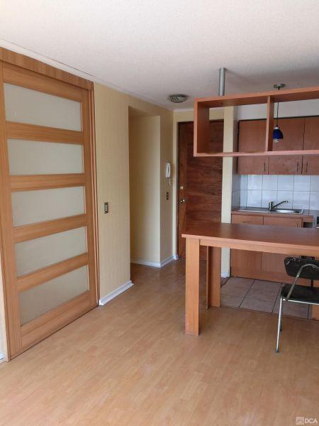 Arriendo. Centro, dos ambientes, un dormitorio.